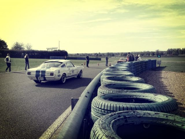 SCCT Mustang pneus.jpg