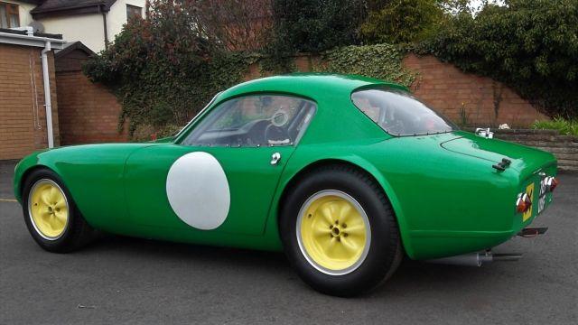 Lotus-Elite-767-UXF-Green-5.thumb.jpg.d120304a3f31ecb97a56fe4c6acb2f55.jpg
