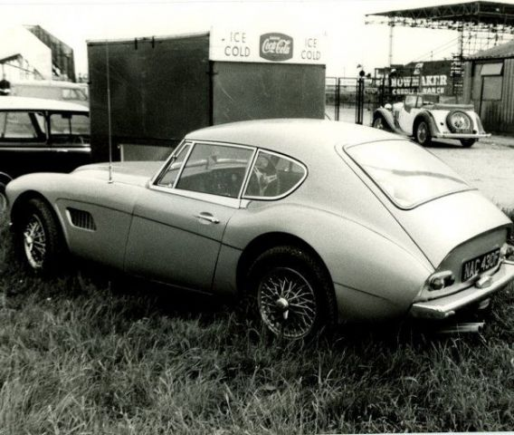AH 3000 #52 Coupe prototype at Silverstone 1968 I Visser archives .jpg
